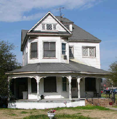 Tallulah.Historic.Home.3.jpg (45100 bytes)